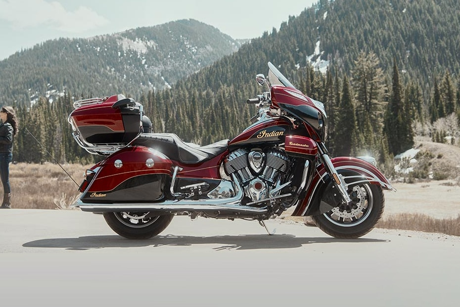 Indian Roadmaster Elite Right Side View