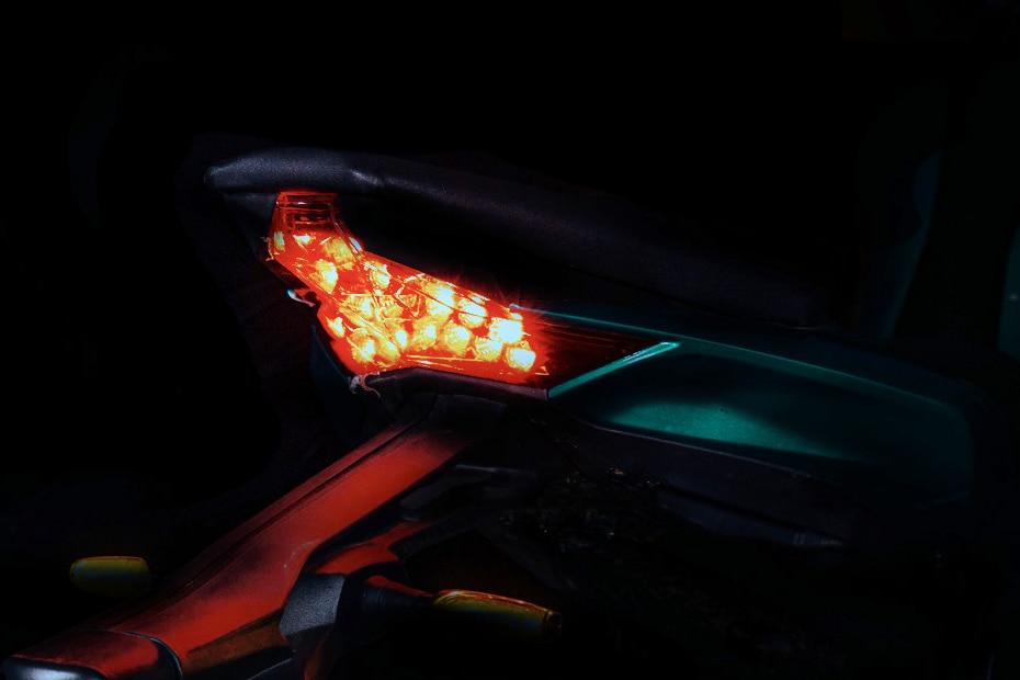 Kabira Mobility KM 4000 Tail Light