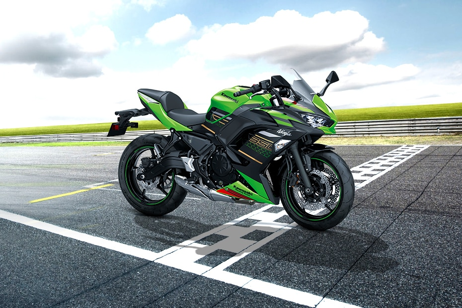 Kawasaki Ninja 650 Front Right View