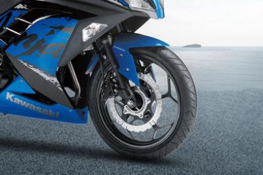 Kawasaki Ninja 300 Front Tyre View