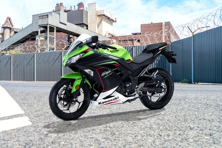 Kawasaki Ninja 300 Front Left View