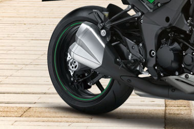 Kawasaki Z1000 Rear Tyre View