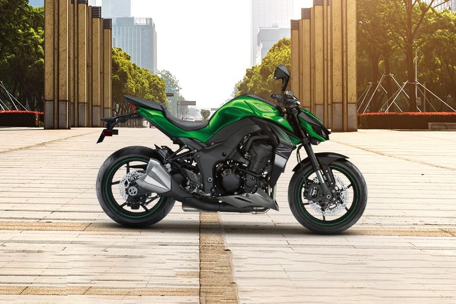 Kawasaki Z1000 Right Side View
