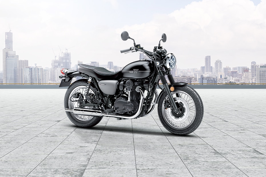 कावासाकी W800 Street Front Right View