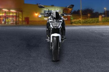 Kawasaki Z650 Front View