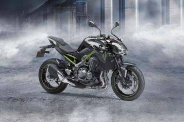 Kawasaki Z900 Front Right View