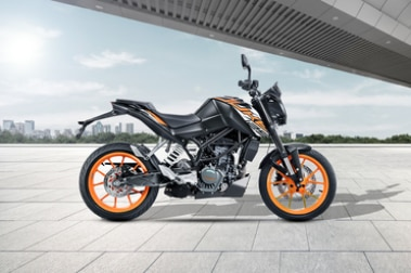 KTM 125 Duke Right Side View