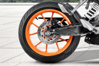 KTM 125 Duke Rear Tyre View