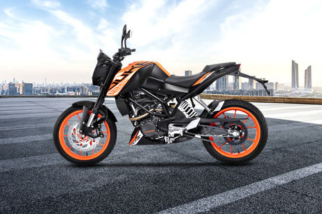 ktm 125 duke std on road price and offers in ludhiana. Black Bedroom Furniture Sets. Home Design Ideas