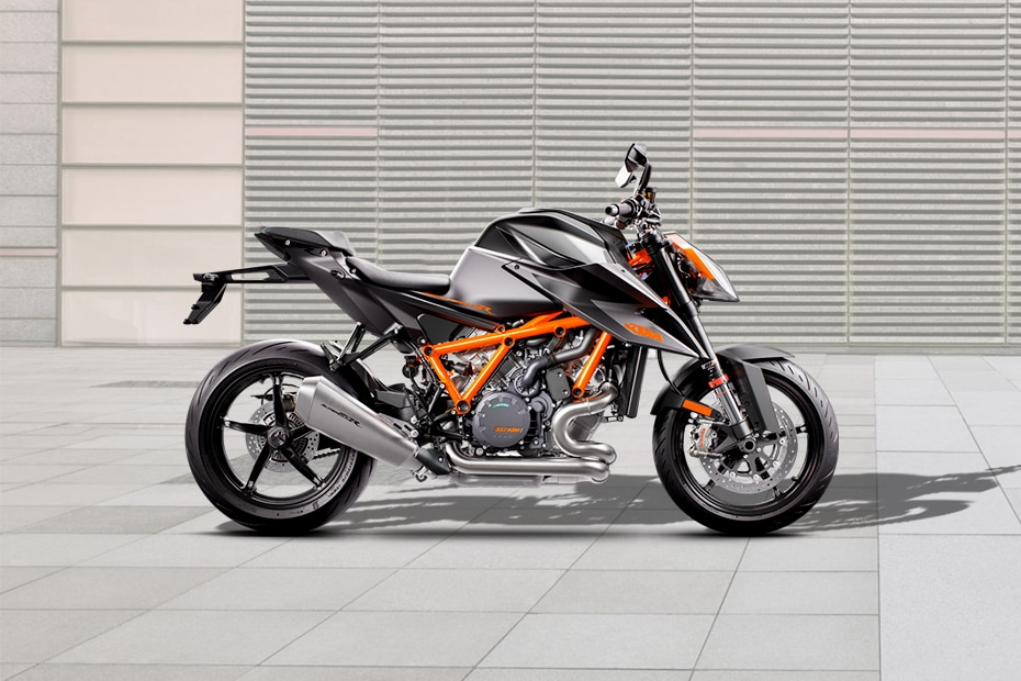 2020 KTM 1290 Super Duke R Right Side View