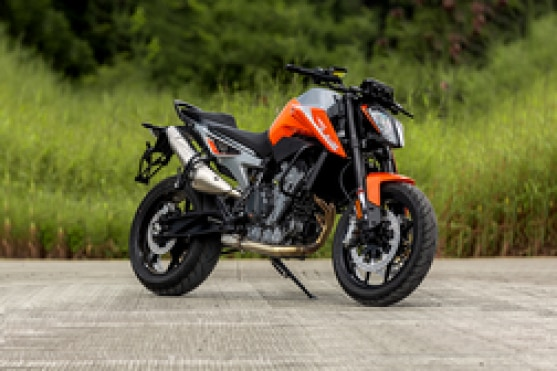 KTM 790 Duke Right Side View