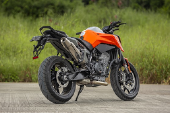 KTM 790 Duke Rear Right View