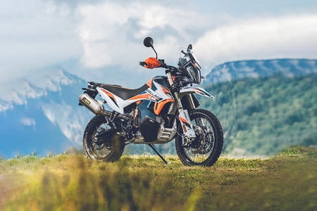 KTM 890 Adventure Right Side View
