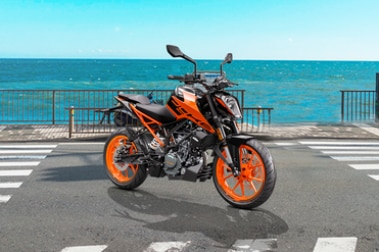 KTM 200 Duke Front Right View