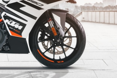 KTM RC 390 Front Tyre View