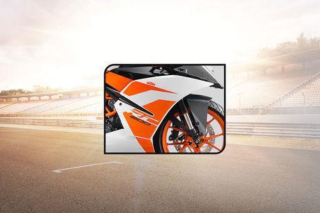 KTM RC 200 Gets A MotoGP-inspired Black Livery | BikeDekho