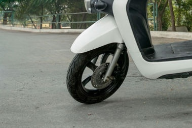 Li-ions Spock Electric Scooter Front Tyre View