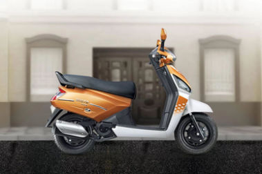 Mahindra Gusto 125 Right Side View