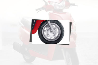 Mahindra Gusto Front Tyre View