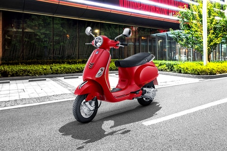 Used Vespa LX 125 Scooters in Hyderabad