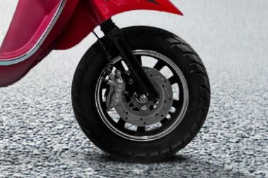 PURE EV Epluto Front Tyre View