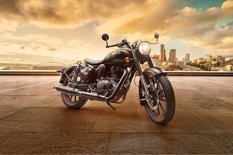 Royal Enfield Classic 350 Dark Series With Dual-Channel