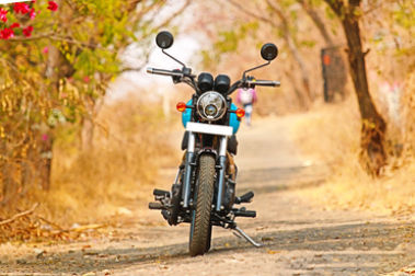 Royal Enfield Thunderbird 500X Front View