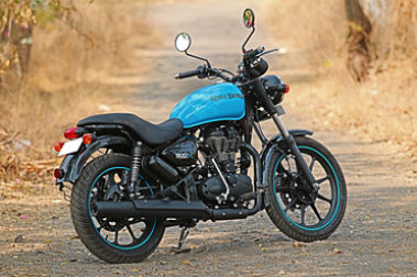 Royal Enfield Thunderbird 500X Rear Right View