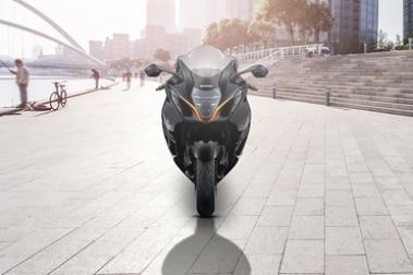 2021 Suzuki Hayabusa Front View