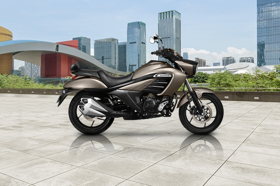 Suzuki Intruder Right Side View