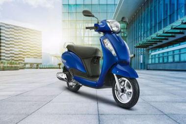 Suzuki Access 125 Front Right View
