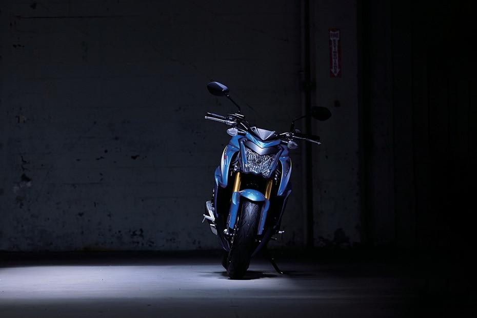 Suzuki GSX S1000 Front View