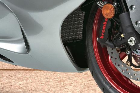 Suzuki GSX-R1000R And Hayabusa Receive Price Cut | BikeDekho