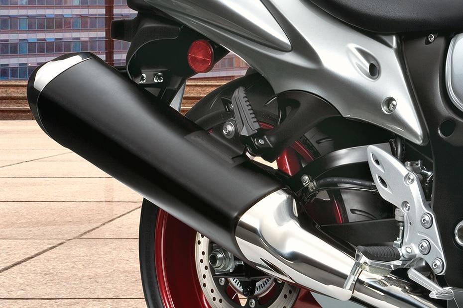 Suzuki Hayabusa Price, Mileage, Images, Colours, Specs, Reviews
