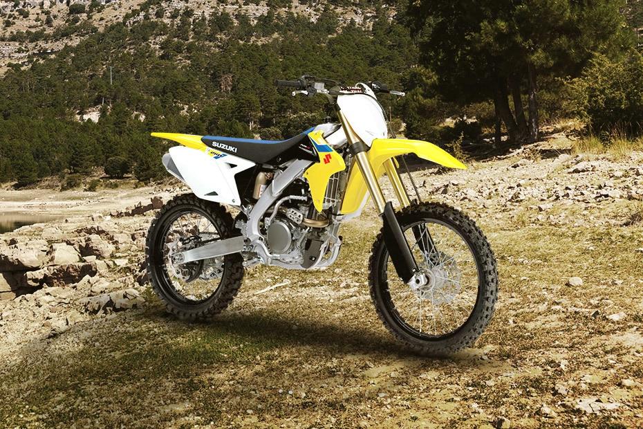 Suzuki RM Z250 Front Right View