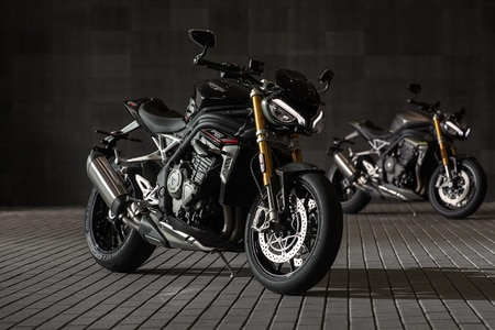 Triumph Speed Triple 1200 Right Side View