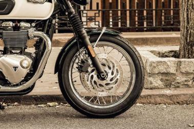 Triumph Bonneville T120 Front Tyre View