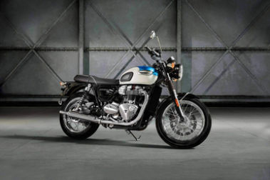Triumph Bonneville T100 Front Right View