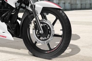TVS Apache RTR 160 Front Tyre View