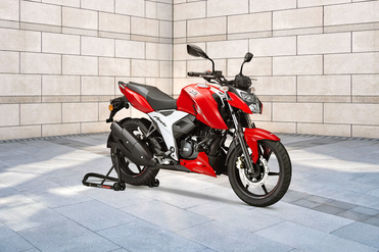 BS6 TVS Apache RTR 160 4V Front Right View