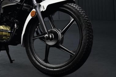 टीवीएस रेडियॉन Front Tyre View