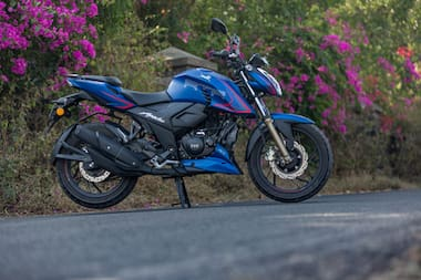 TVS Apache RTR 200 4V Right Side View