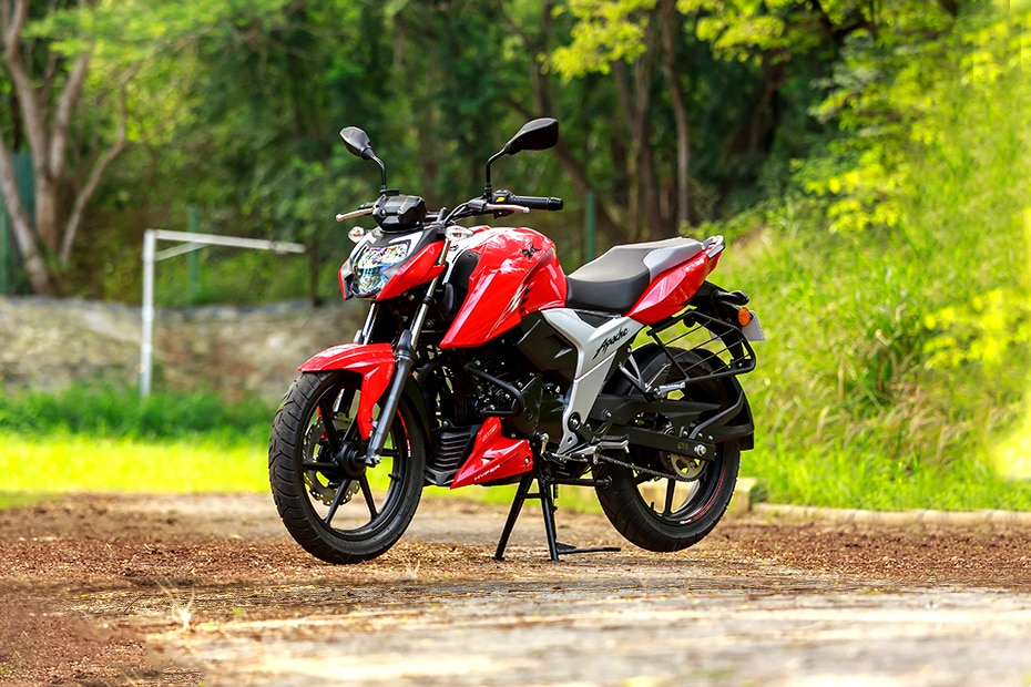 TVS Apache RTR 160 4V Right Side View