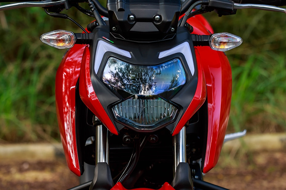 TVS Apache RTR 160 4V Head Light