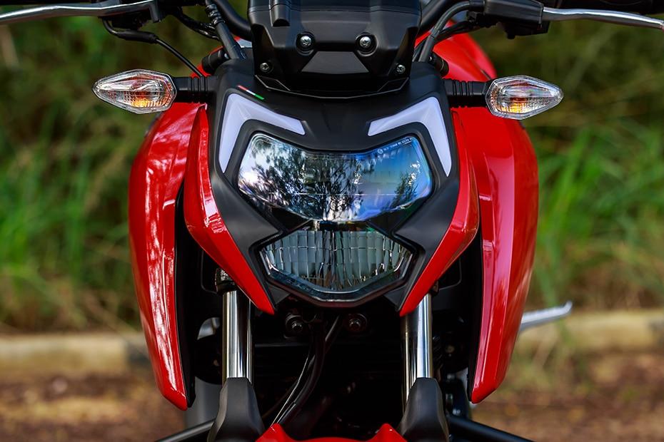 TVS Apache RTR 160 4V Head Light