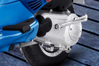 Vespa SXL 125 Exhaust View