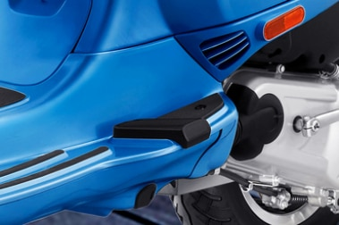 Vespa SXL 125 Foot Rest View