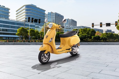 Used Vespa VXL 125 Scooters in Delhi