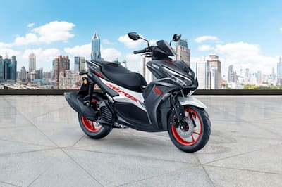 यामाहा Aerox 155 Front Right View