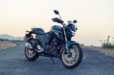 Yamaha FZS 25 Front Right View